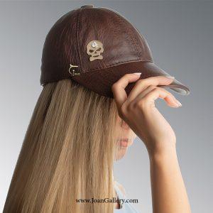 کلاه چرم با پلاک اسکلت
